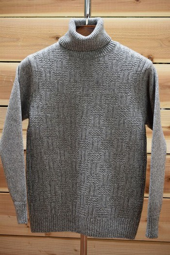 ORGUEIL Turtle Neck Sweater