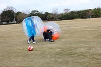 バブルサッカーなどのゲームを紹介
