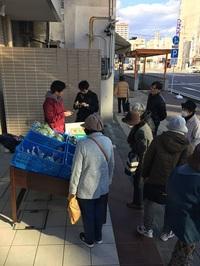 ラシュレの近くでお野菜販売をしていただきました