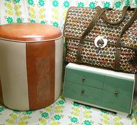 レトロ家具とバッグ