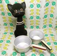 明星ラーメン鍋と黒猫