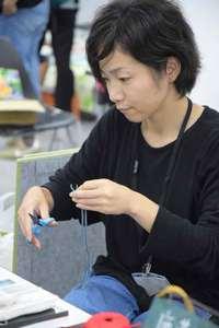 カフェ&ギャラリー まる茶 : 作家さん leather artist:yairi