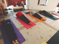 ポーズ、呼吸、瞑想